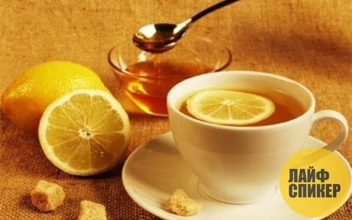 Теплый чай с лимоном и медом