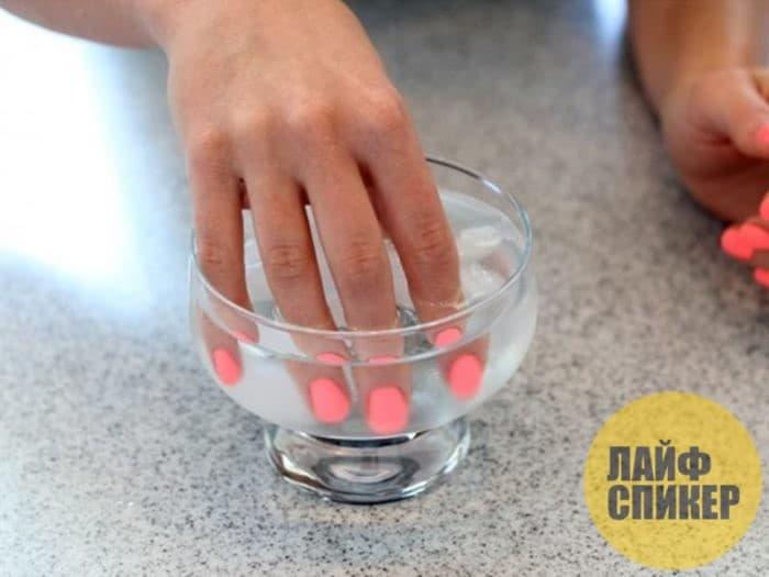 Топ-7 лайфхаков, как быстро высушить лак на ногтях