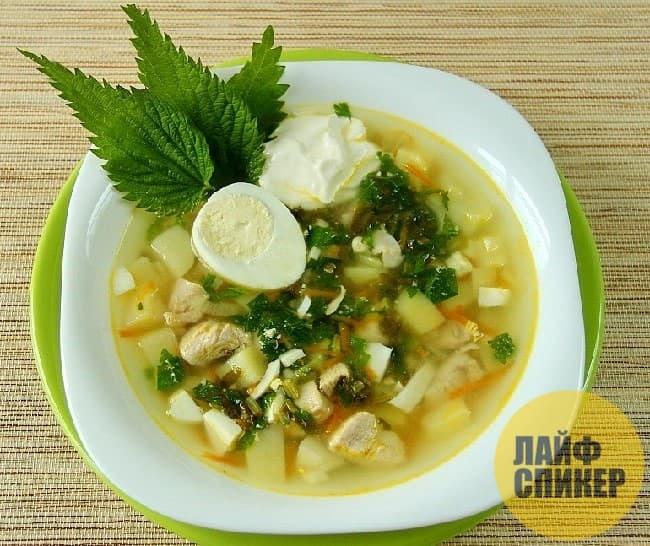Быстрый и легкий суп из крапивы